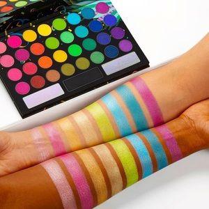 Shimmer eyeshadow palette🍭 ✨